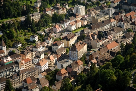 Vue aérienne du Locle (© Villes de La Chaux-de-Fonds et du Locle, A. Henchoz)