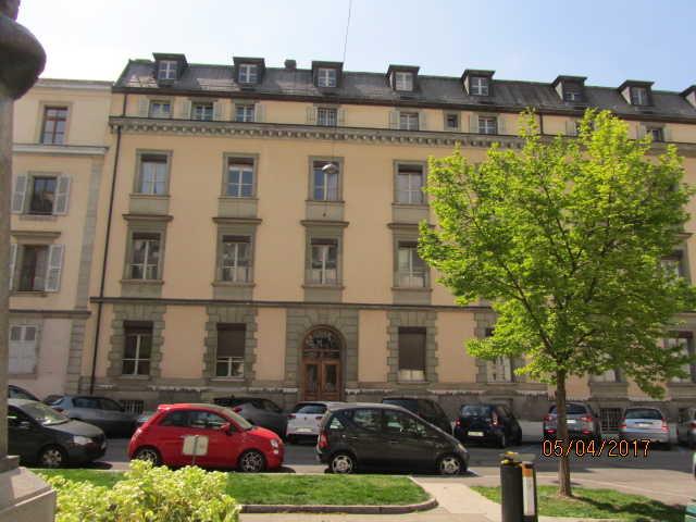 Rare : Hôtel particulier à vendre aux enchères à Genève