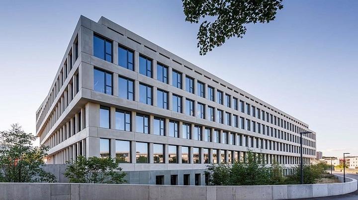 PSP Swiss Property actif dans l'achat et la vente