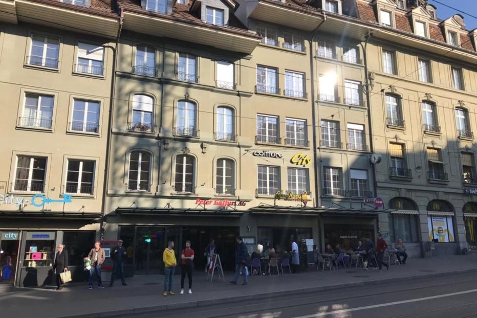 Berne: Aldi loue sur la Kornhausplatz