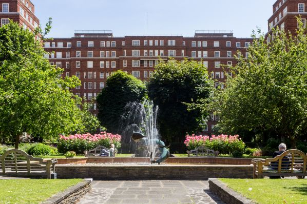 AXA IMRA acquiert Dolphin Square à Londres
