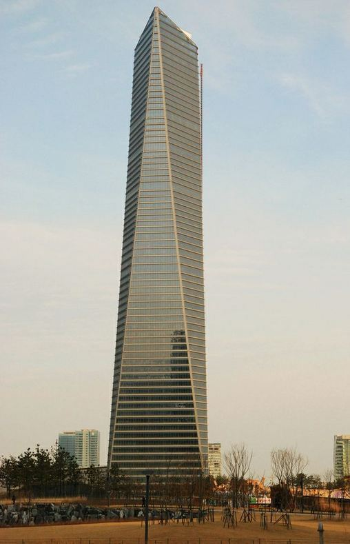 Northeast Asia Trade Tower  Copyright: John Johnson