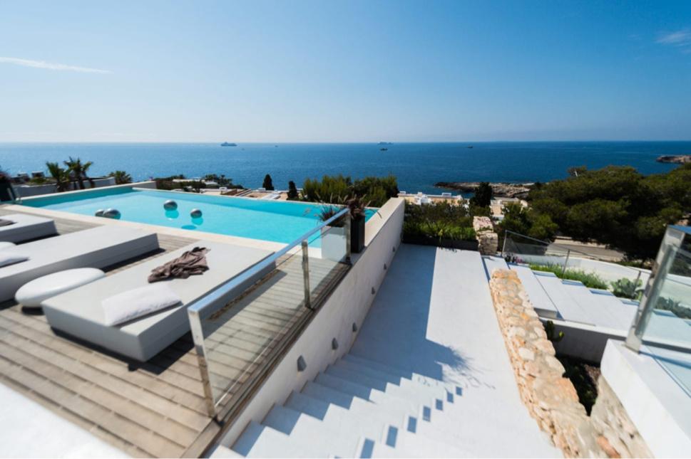 Les propriétaires d'hôtels à Ibiza en mettent 30 en vente, dont plusieurs 5 étoiles