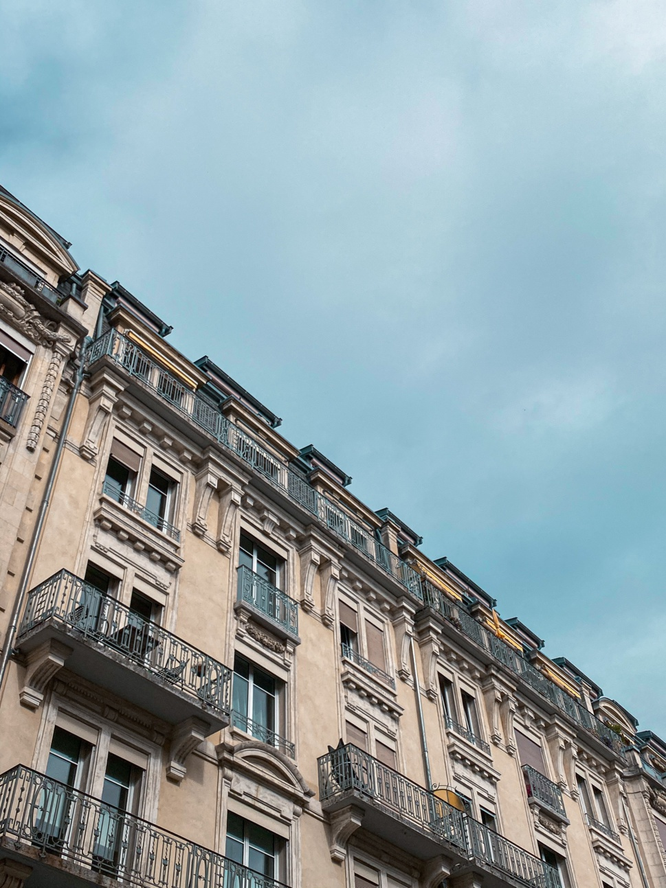 Lausanne : Immeuble mixte au centre ville