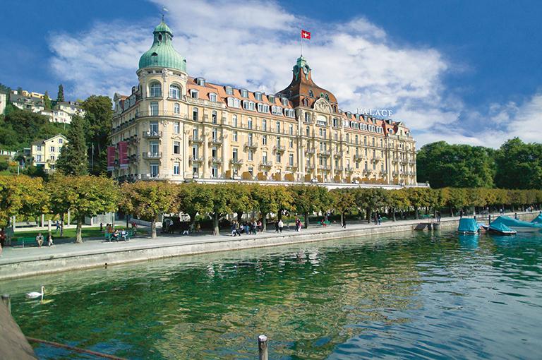 Le fonds immobilier CS REF Hospitality vend l'Hôtel Palace à Lucern