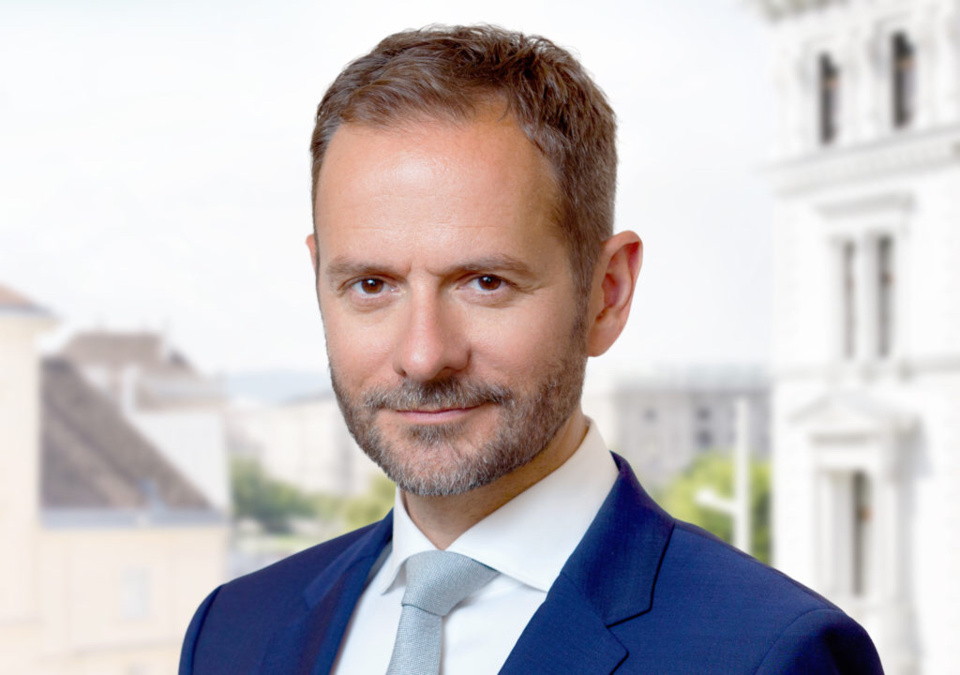 Hudej Zinshäuser arrive en Suisse