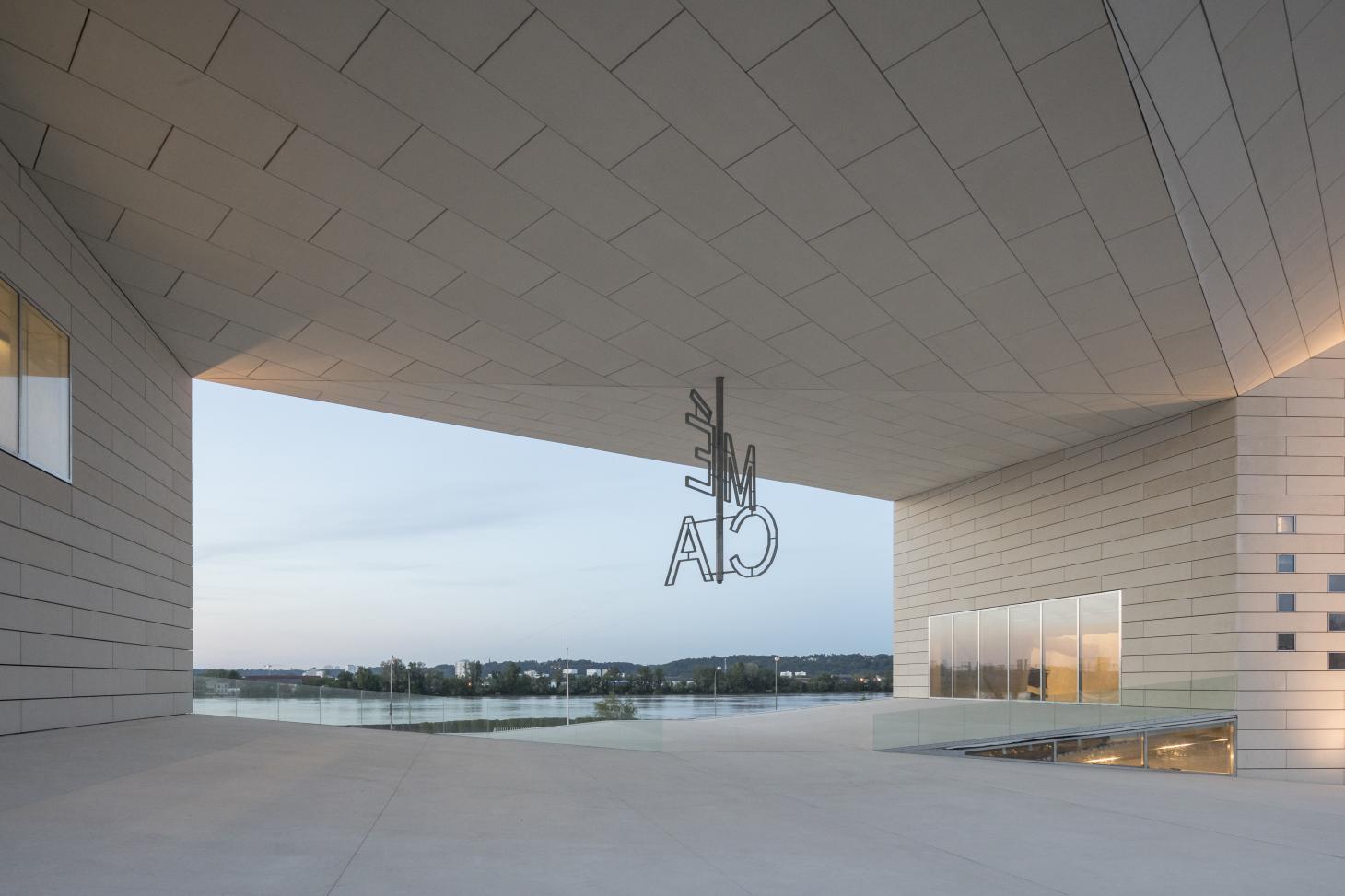 Le centre culturel MECA réalisé par BIG et Freaks ouvre ses portes à Bordeaux