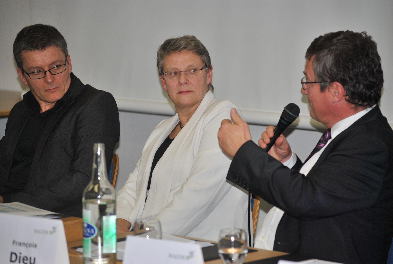 de gauche à droite : Thierry Chanard, (Urbaniste GEA Vallotton et Chanard SA), Béatrice Métraux, (Conseillère d'Etat) et François Dieu, (Développeur immobilier, administrateur de MK Realitim Management SA)